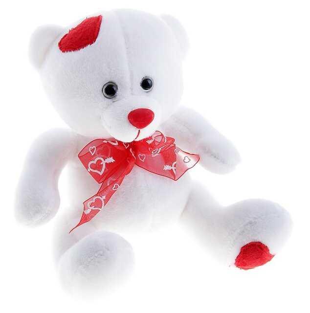 Мишка белый с сердечками